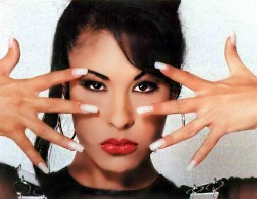 Selena image via twitter