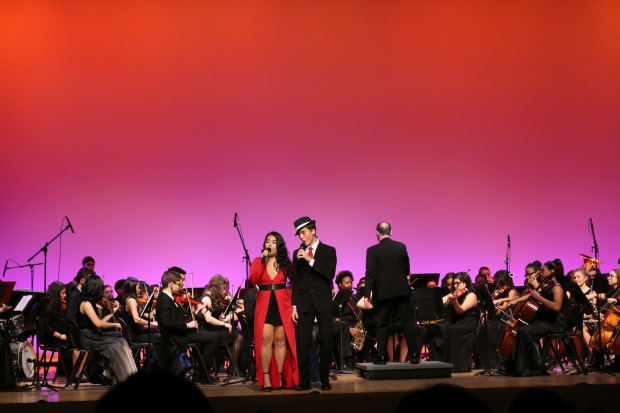 Simón Safos and Mica Malubay performing for Tony Bennett at his 90th birthday celebration. Image by Theresa Vu.